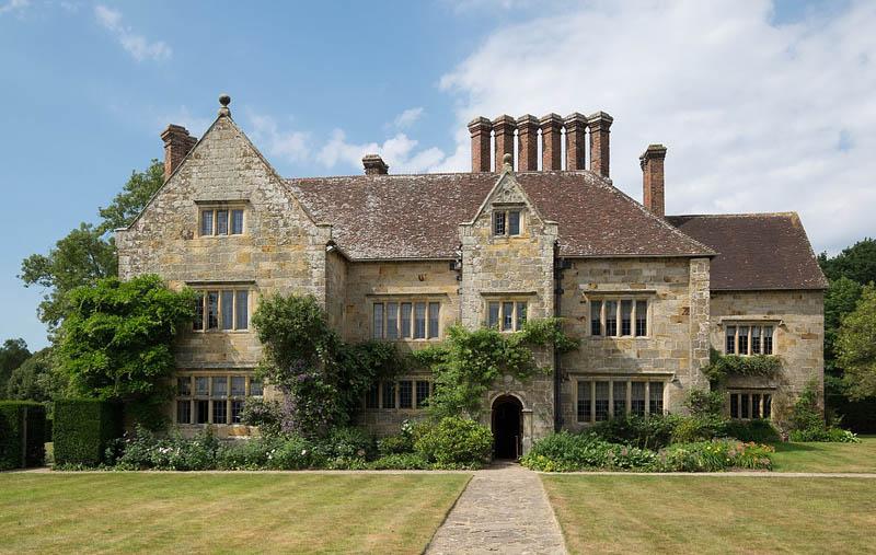 Batemans - Kiplings's home in the Weald - fine, large, 17th century  house